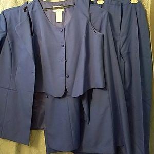 Women's 4 piece suit, size 18.